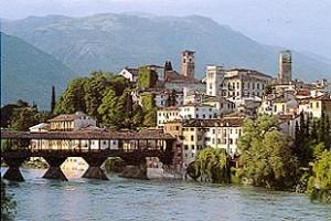 Bassano del Grappa - veduta del Ponte vecchio o Ponte degli alpini
