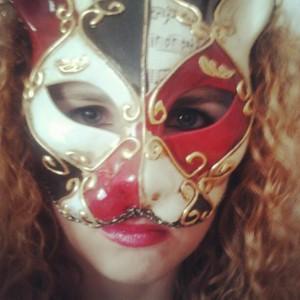 Io con la maschera veneziana del gatto - febbraio 2013